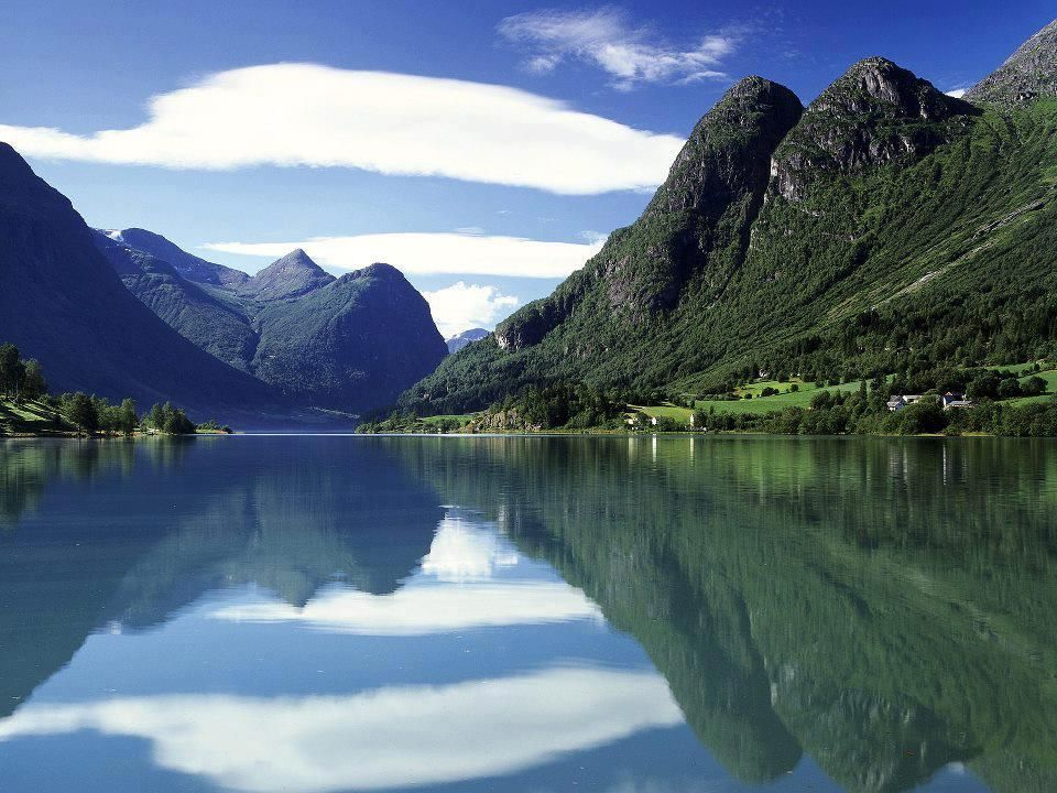 Oldenvatnet_Norway.jpg